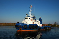 Tug East on the Manchester Ship Canal