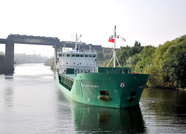 Arklow Raven arriving Irlam Locks 28th September 2013