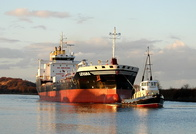 Levana with Tug MSC Volant at Ellesmere Port