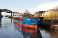 Jevenau arriving Latchford Locks 20th December 2015
