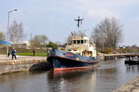 Dornoch entering Latchford Locks 3rd April 2016