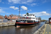 Royal Iris at Latchford 10th April 2016
