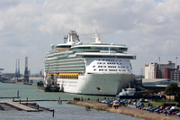 Navigator of the Seas IMO 9227508 139570gt Built 2002
