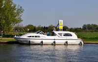 Swan Renown (161m) Norfolk Broads