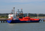 Maingas alongside Fawley