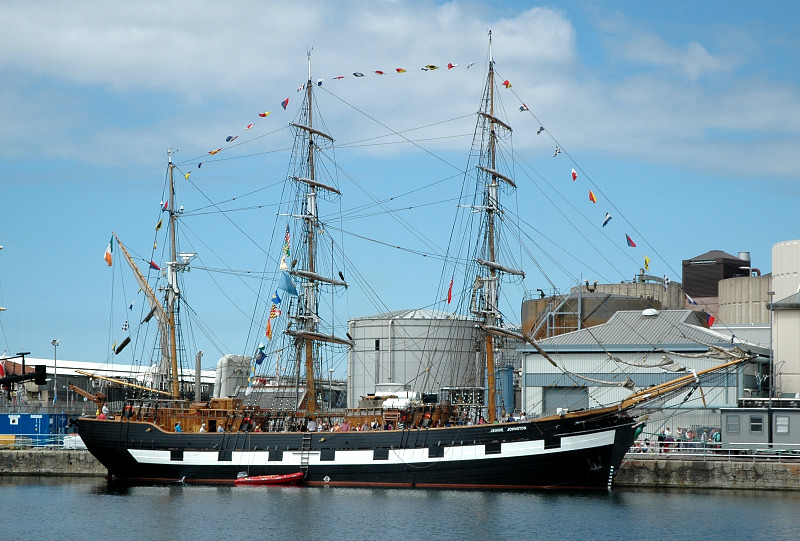 Jeanie Johnston  IMO 8633671 301gt Built 2002 3masted barque Flag Ireland